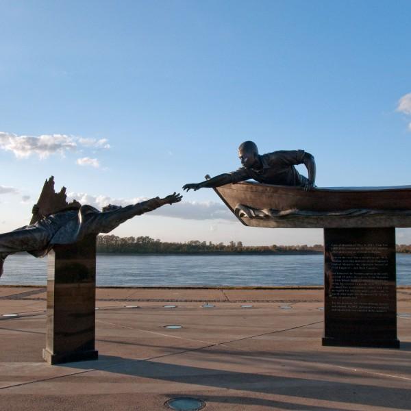 Tom Lee Memorial